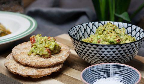 vegane zitronige Guacamole