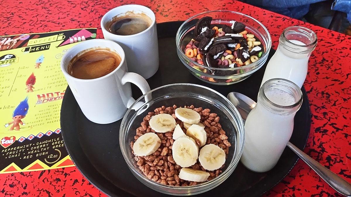 vegan in London frühstücken bei Cereal Killer Cafe Müsli