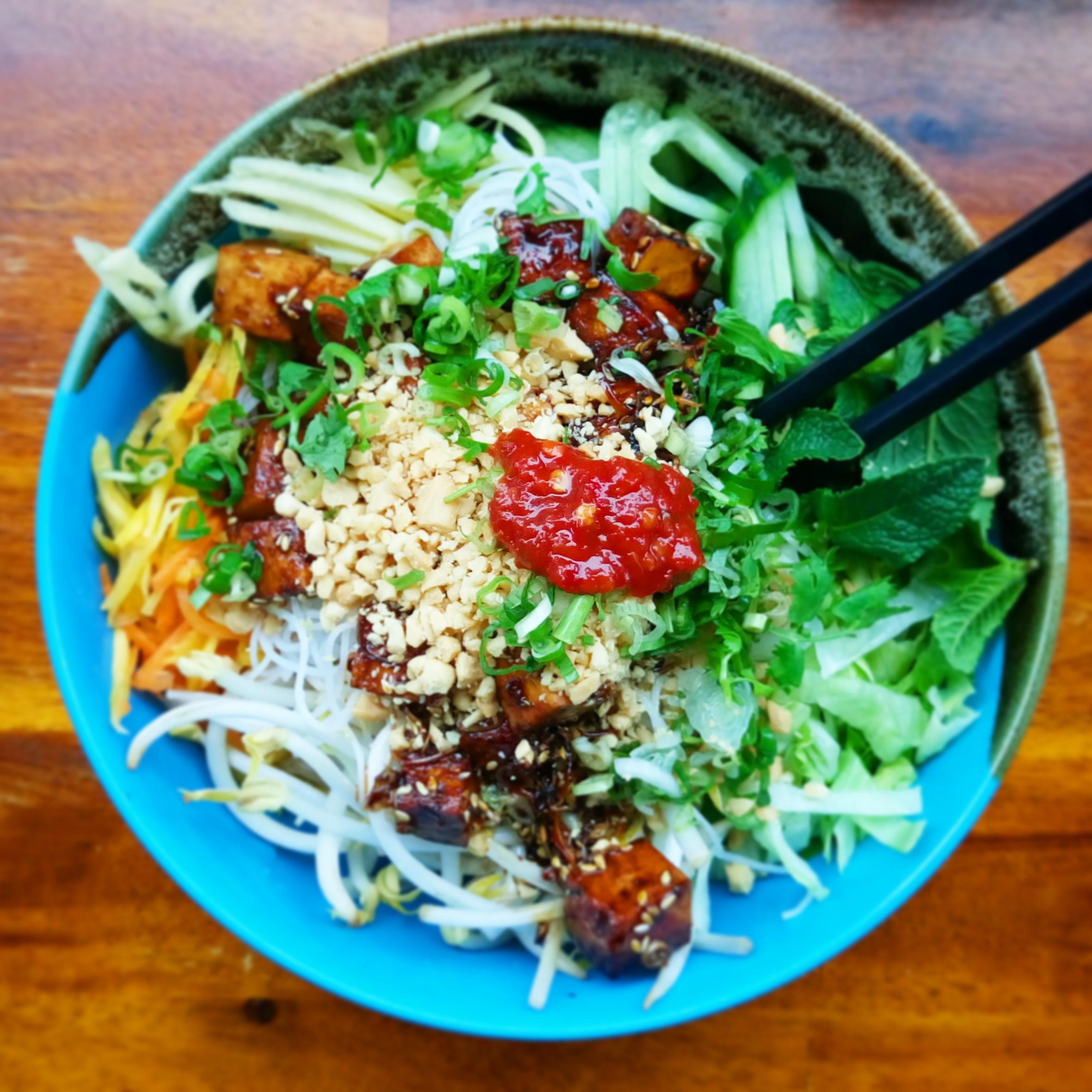 veganer Reisnudelsalat Asia Feinkost München