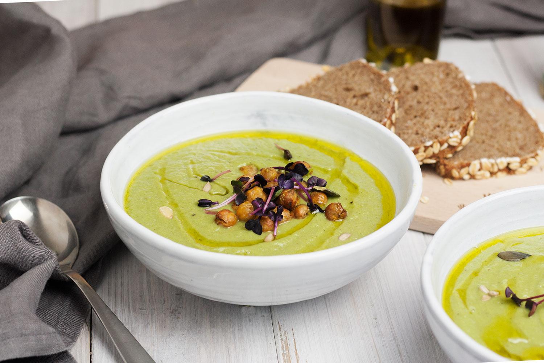 cremige vegane Brokkoli-Lauch-Suppe