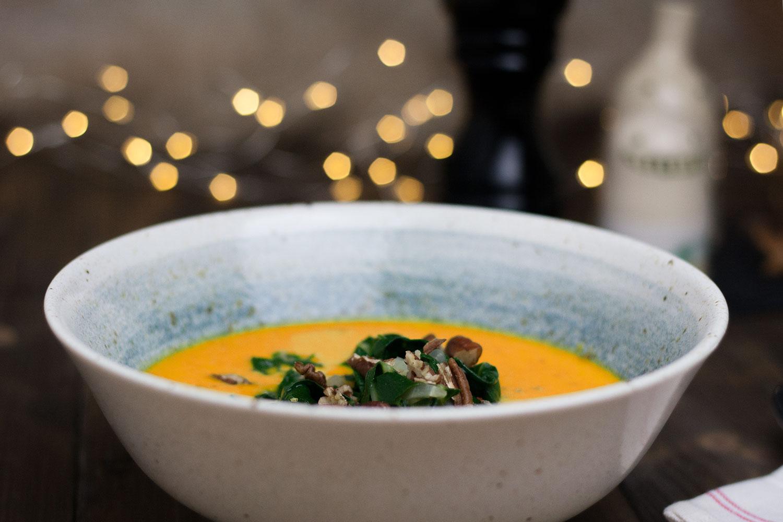 Kürbissuppe mit Mangold vegan
