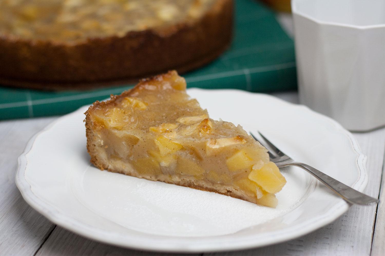 veganer Apfelkuchen mit Puddingguss