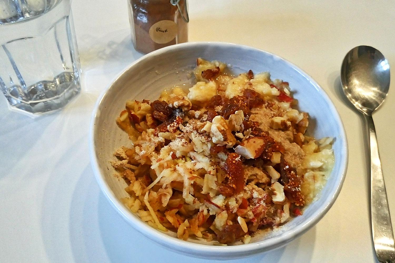 basisches Essen: Müsli mit Erdmandeln, mein Standardfrühstück beim Basenfasten bzw. in der Entgiftungskur