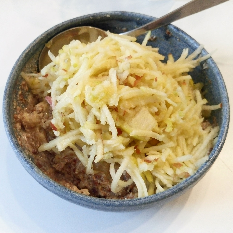 basisches Essen: Müsli mit Erdmandeln, Basenfasten