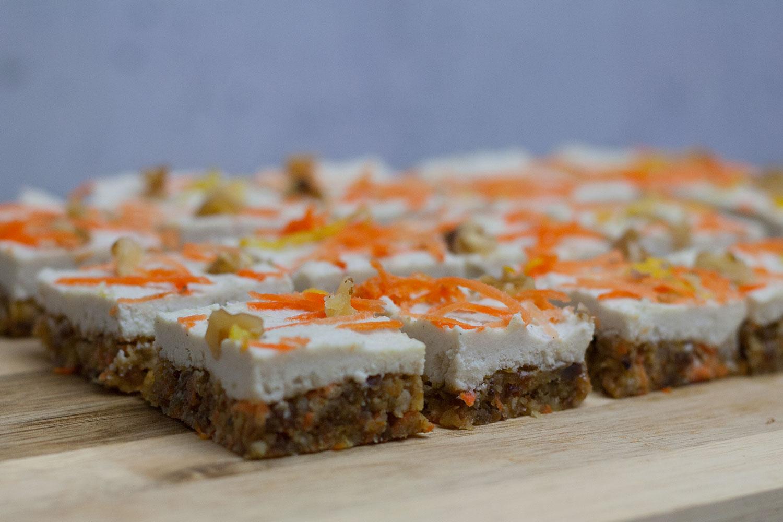 roh-vegane glutenfreie Carrot Cake Bites