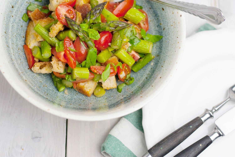 Spargel-Brot-Salat vegan