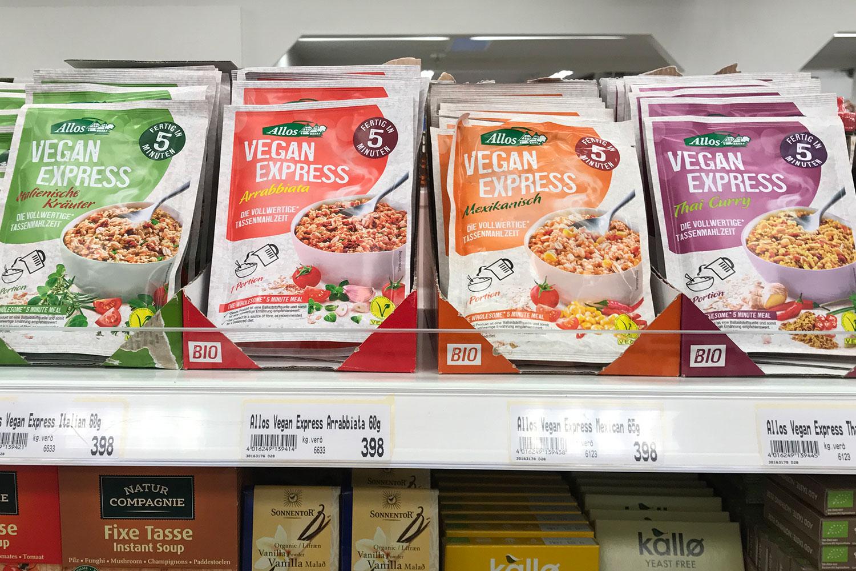 vegan essen in Island, hier Veganes im Supermarkt, vegane Fertiggerichte