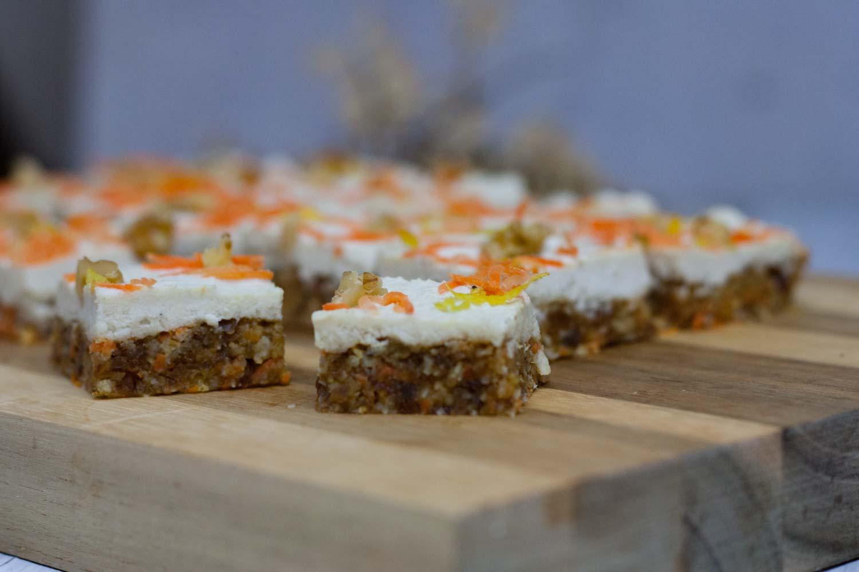 glutenfreie und vegane Rohkost-Karotten-Happen