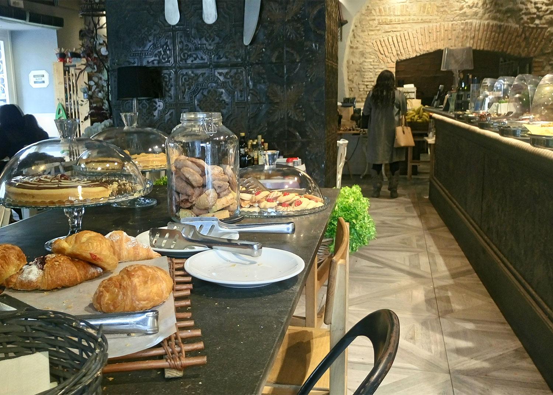 vegan Essen in Rom im Buddy, von innen Theke