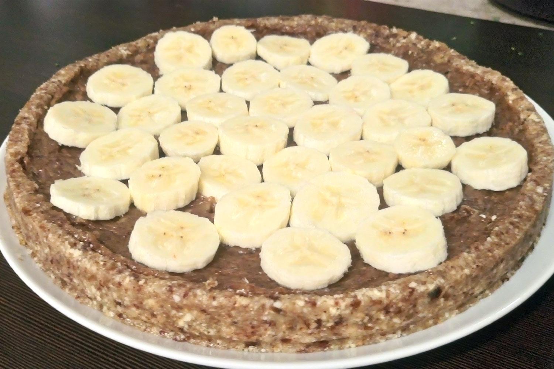 veganer rohköstlicher Banoffee Pie | die Bananenschicht