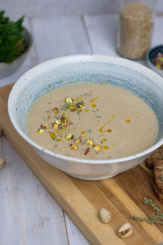 roasted cauliflower soup with coconut milk, vegan | geröstete Blumenkohlsuppe mit Kokosmilch