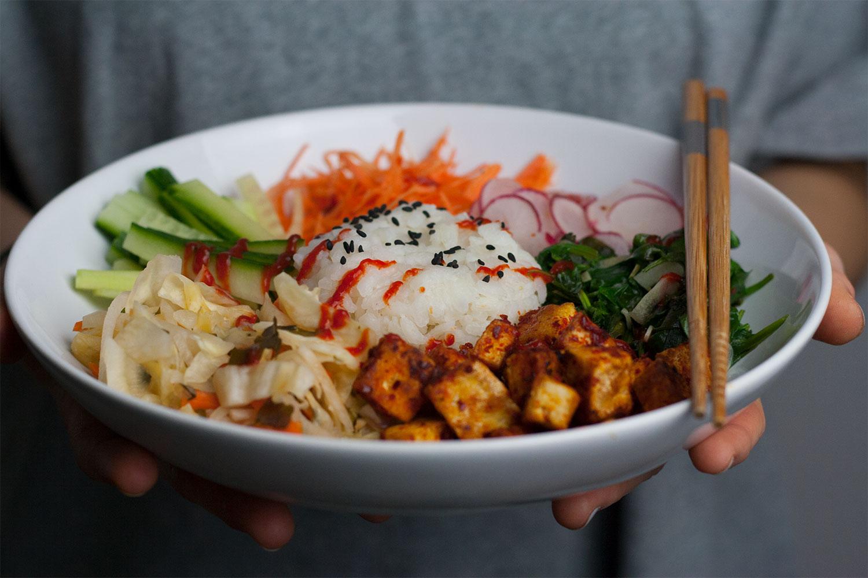 vegan sushi bowl with kimchi   Sushi Bowl mit Kimchi