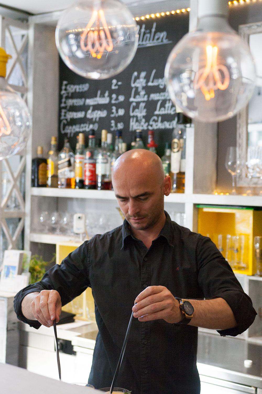 Sebastian Gastwirt und Inhaber der Mixto - das italientische Restaurant Mixto Cucina in München, das vegane Gerichte angbietet