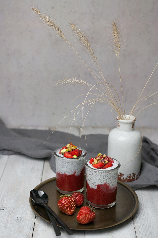 Chia Pudding mit Erdbeeren