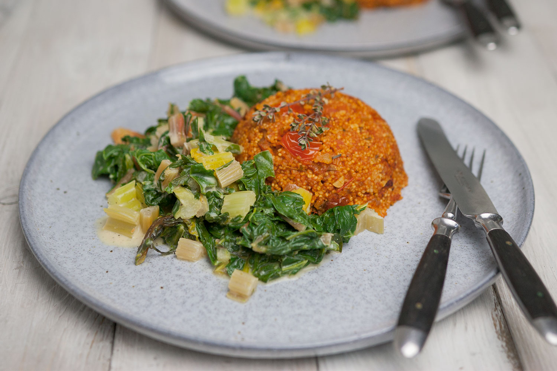 Hirse-Risotto mit Tomaten an Zitronen-Mangold