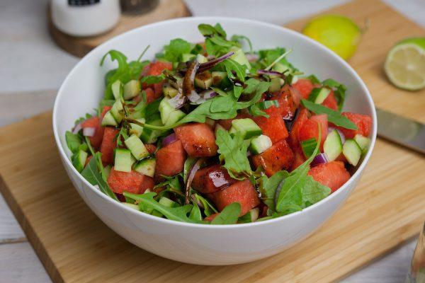 Wassermelonen Salat mit süß-saurem Balsamico-Dressing