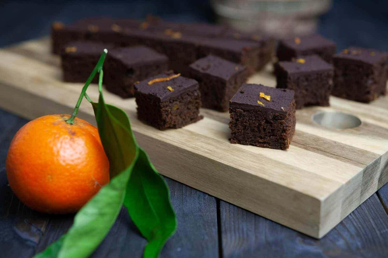 vegane Orangen Lebkuchen Schnitten als leckerer Snack in der Vorweihnachtszeit