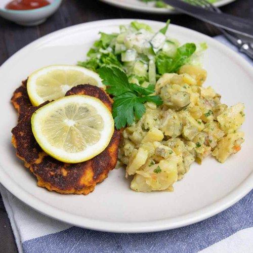 Linsen-Schnitzel mit Kartoffelsalat