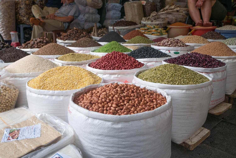 Hülsenfrüchte auf dem Markt in Vietnam