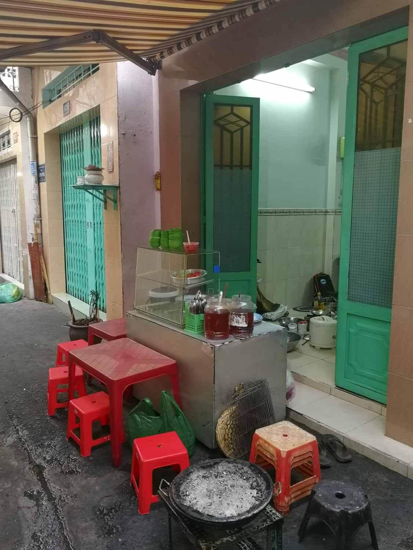 Typischer Straßenstand mit Essen in Ho-Chi-Minh-Stadt in Vietnam