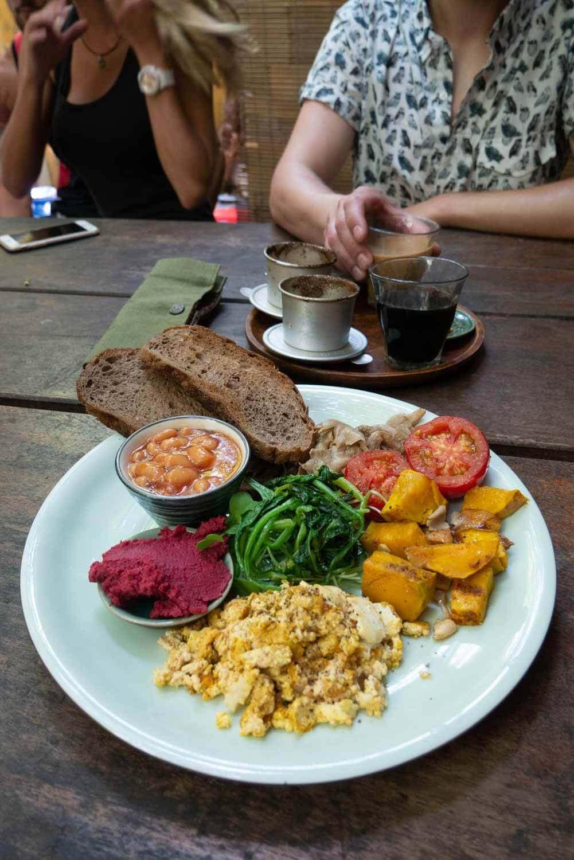 herzhaftes veganes Frühstück in Hoi An Vietnam im Rosie's Cafe