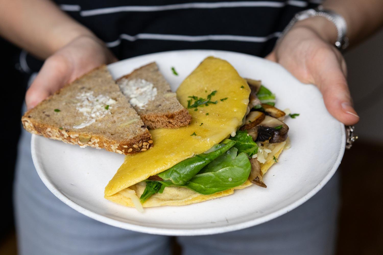 gefülltes veganes Omelett aus Kichererbsenmehl