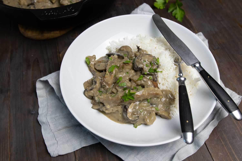Veganes Rahmgeschnetzeltes mit Reis