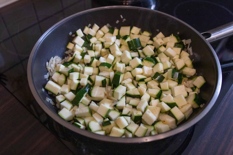 Zucchini anbraten