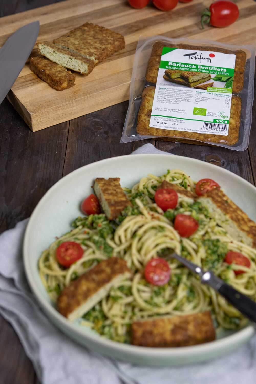 Vegane Oliven-Rucola-Pesto mit Bärlauch-Bratfiliets