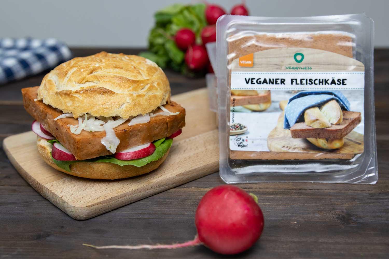 Vegane Fleischkäse-Semmel mit Seitan-Fleischkäse von von Veggyness
